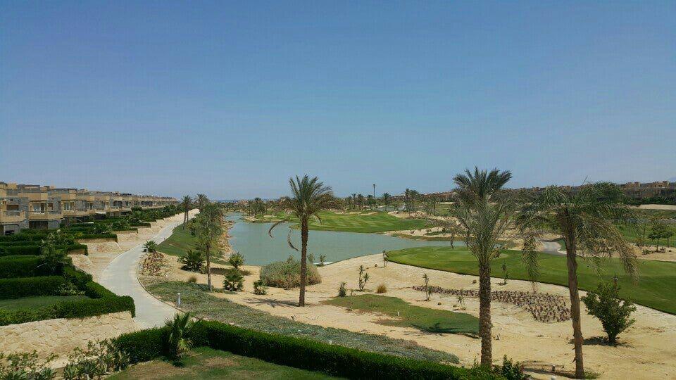 Lake in Al Ain Bay resort 1
