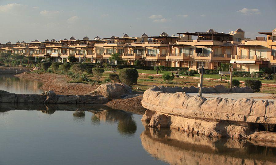 lakes in Al Ain Bay 1