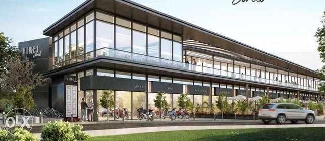 محلات للبيع في مشروع فينشي ستريت مول 2 غرفة 148 متر