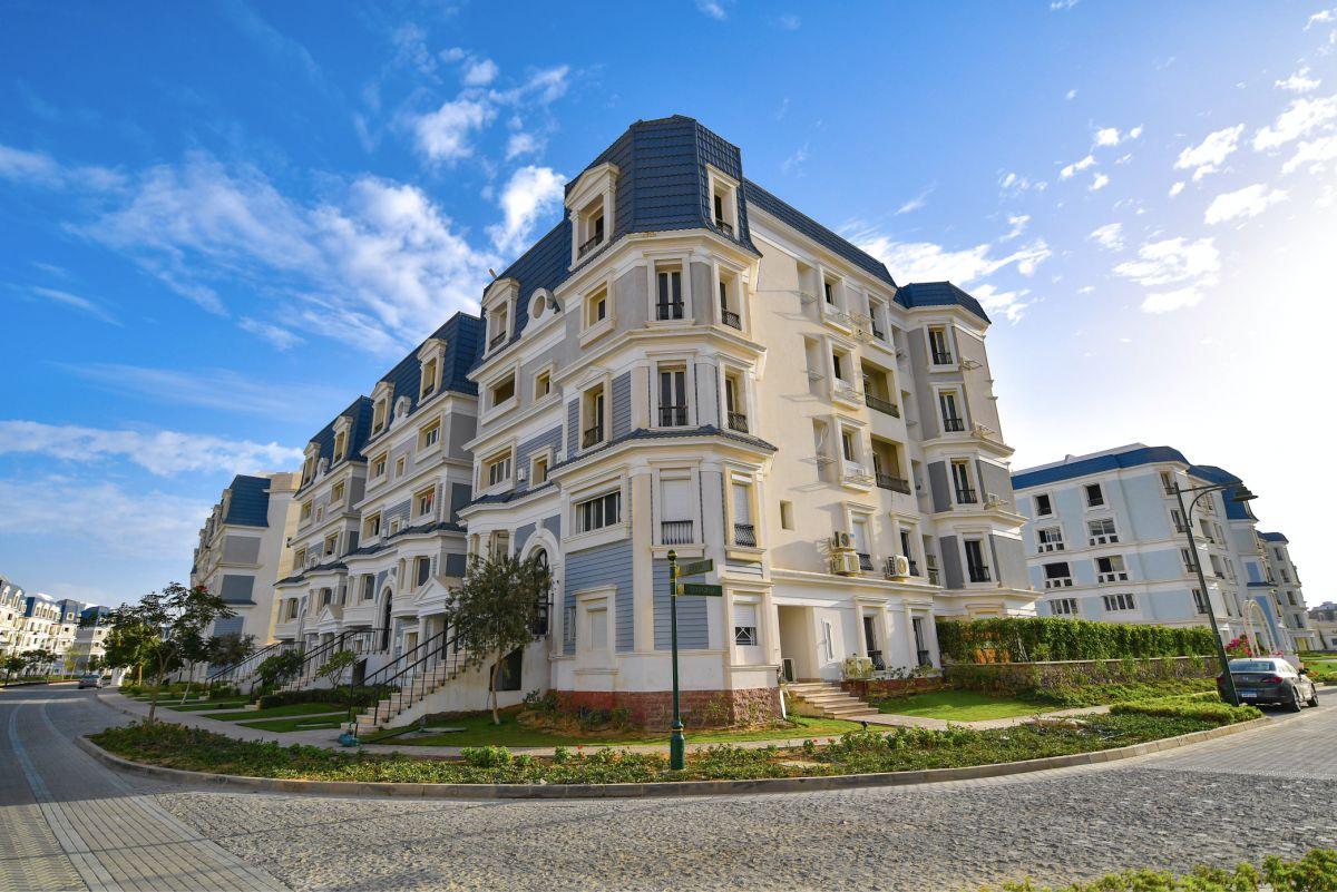 تفاصيل بيع شقة بمساحة 140 متر في كمبوند ماونتن فيو هايد بارك